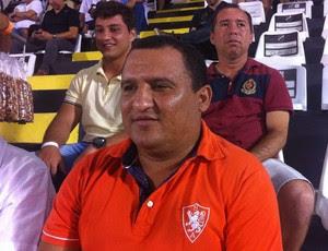 Higor César técnico do Globo FC (Foto: Augusto Gomes/GloboEsporte.com)