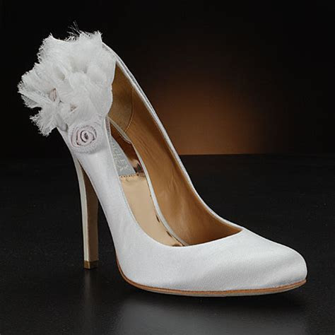 Women wedding shoes   Designer women bridal shoes