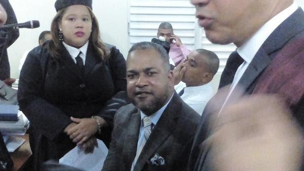 Tribunal ordena seis meses de arresto domiciliario a ex alcalde Mondesí