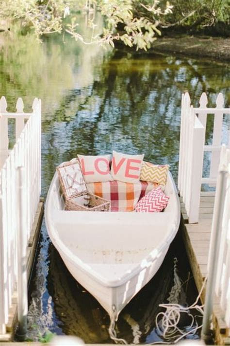 22 Unique Rustic Canoe Wedding Ideas Worth Trying   Deer