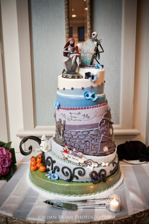 Nerd Noms of the Day: Jack and Sally Wedding Cake!