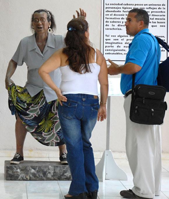 Estatua de Rita la Caimana (I), personaje popular, expuesta en el Museo de Cera, en Bayamo, provincia de Granma. AIN Foto: Oscar ALFONSO SOSA