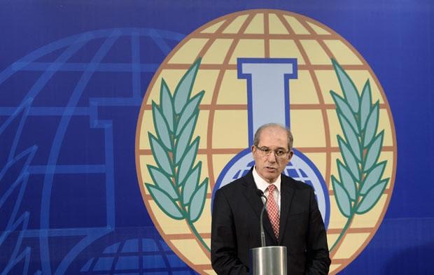 Ahmet Uzumcu, diretor da Opaq (Organização para a Proibição das Armas Químicas) (Foto: AFP)