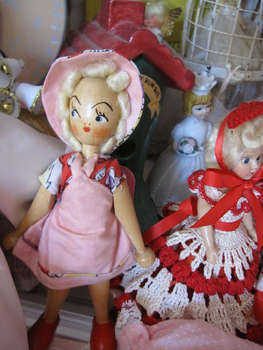 The Dolls in the Curiosity Cabinet! 27