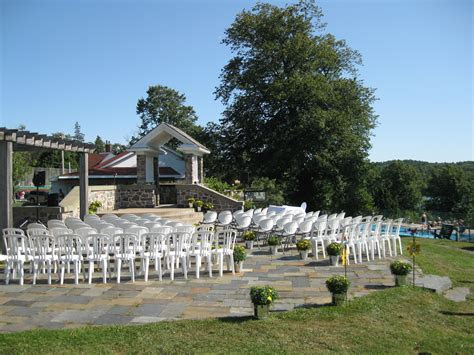 Outdoor ceremony at our exclusive Waegwoltic Club venue
