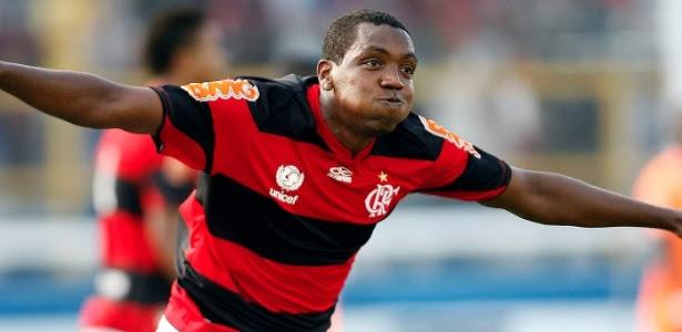 http://e.imguol.com/esporte/2012/02/12/renato-abreu-comemora-o-gol-do-flamengo-contra-o-caxias-neste-domingo-1329081161364_615x300.jpg
