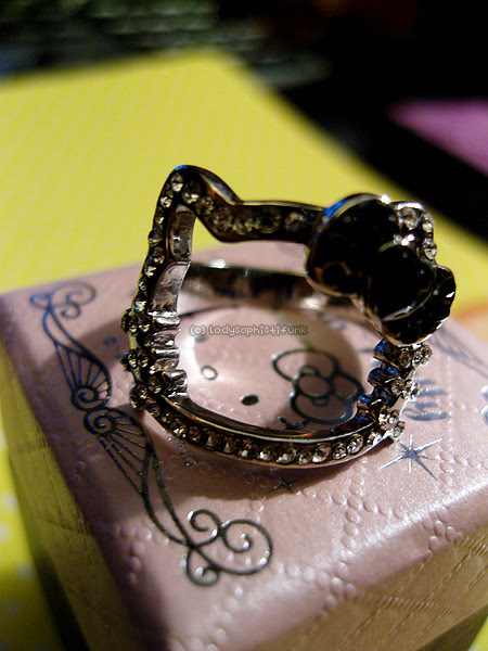 HK Black ring Submitted by ladysophistifunk