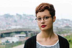 Aline Valek, escritora independente e ilustradora