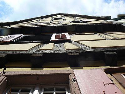 maison alsacienne vue d'en bas.jpg