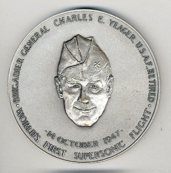 File:Yeager congressional silver medal.jpg