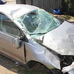 Maconge | Une voiture fait des tonneaux dans un champ à Maconge : un blessé