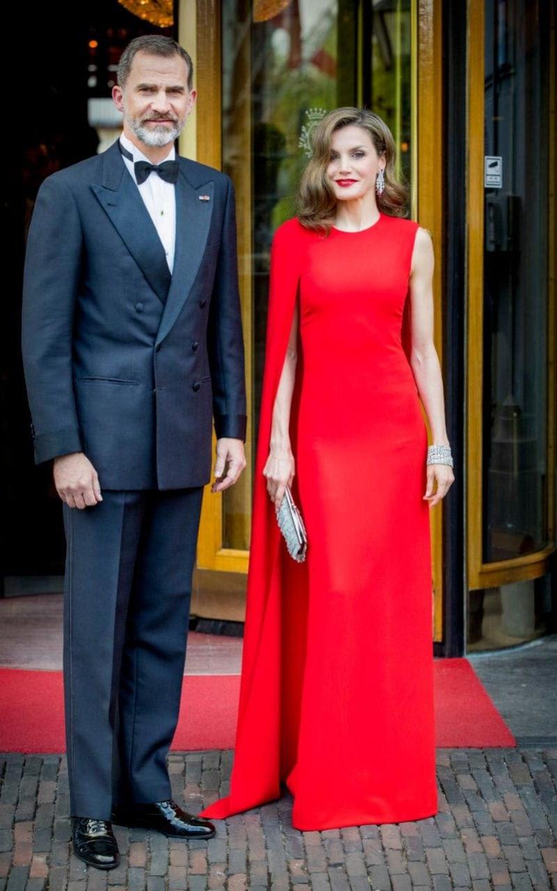 ステラマッカートニーを着たスペインの女王レティシア