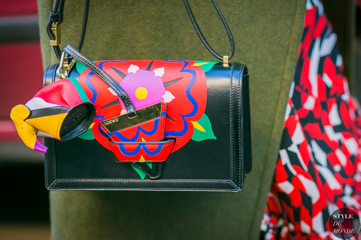 http://www.styledumonde.com/wp-content/uploads/2017/01/Sherry-Shen-Loewe-Bag-by-STYLEDUMONDE-Street-Style-Fashion-Photography0E2A3857-700x467@2x.jpg