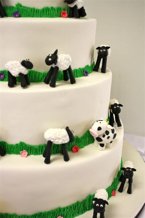 Farm Animal Wedding Cake {Wedding}   The Hudson Cakery
