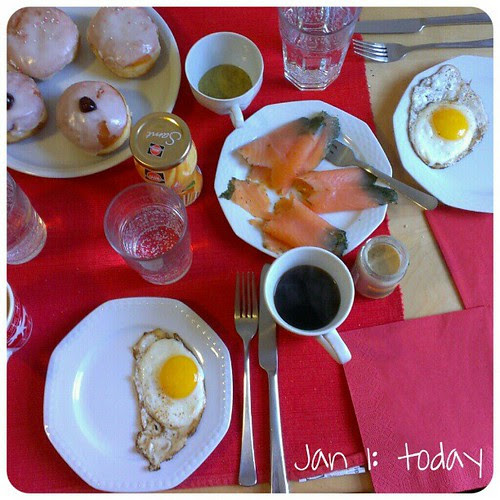 Jan 1: today .. #breakfast with friends .. #happynewyear #fmsphotoaday