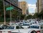 Taxistas pressionam Câmara de SP a votar projeto que proíbe Uber em SP