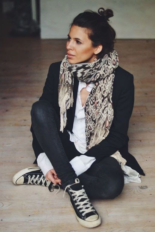 Le Fashion Blog Ways To Wear Black High Top Converse Sneakers Top Knot Print Scarf Skinny Jeans Blogger Style Via Maja WYH