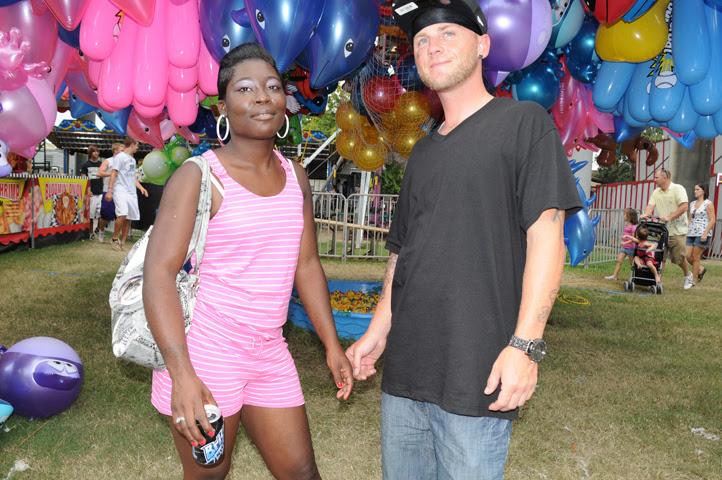 couple at shrimp and petroleum carnival_5365 web