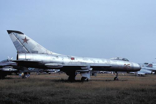 25r Su-7