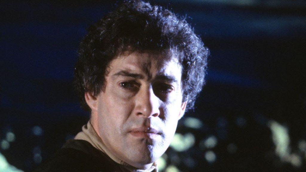 IMG GARETH THOMAS, Actor