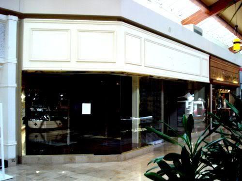 Empty Store 5