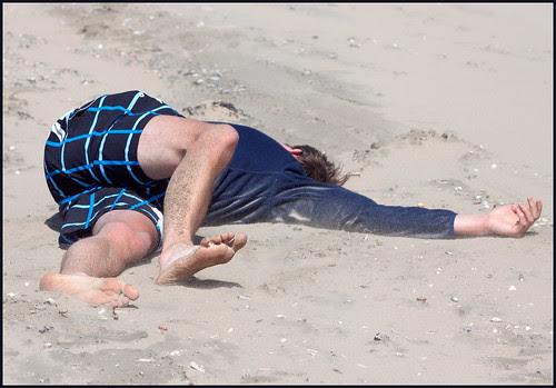op het strand by hans van egdom