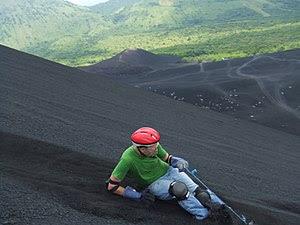 English: Volcano Surfing / Volcano Boarding do...