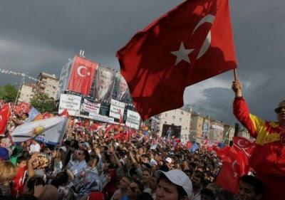 manifestantes-turquia_-e1371589613334-400x281