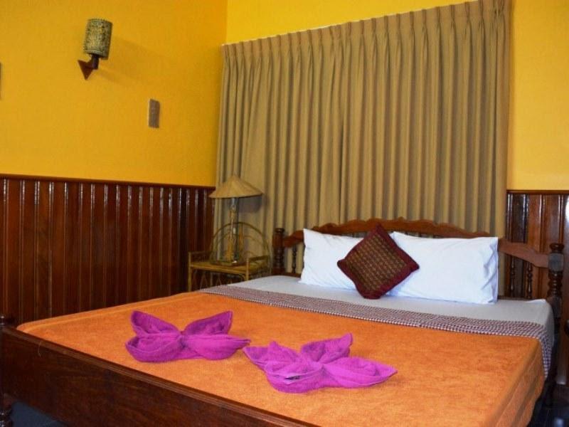 Price Big Lyna Villa & Home-stay
