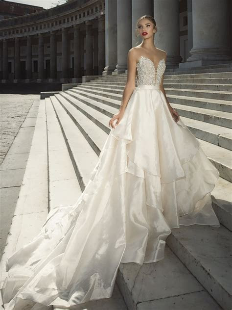 Bridal Wedding Dresses & Gowns in London   Surrey