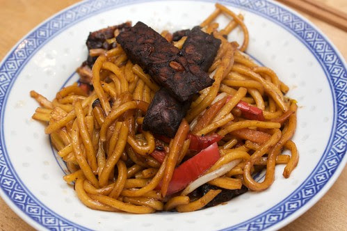 five spice tempeh and noodles