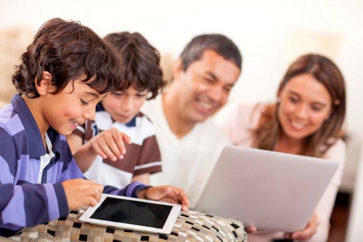 Resultado de imagem para acesso de crianças à internet