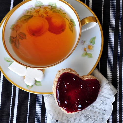 Blackberry Wine Jam with Tea 2