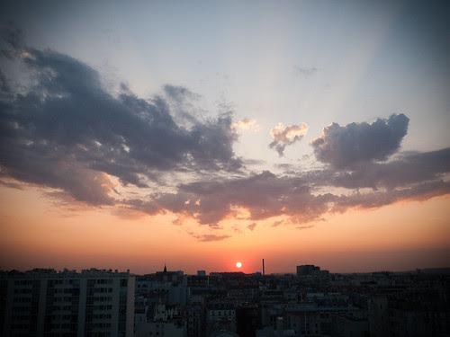 Mercredi 19 août. Paris. Coucher de soleil.