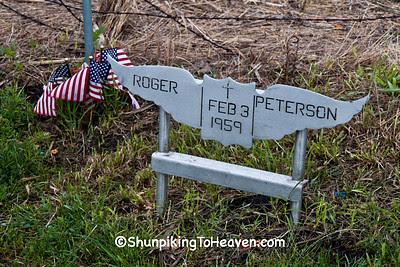 Memorial to Pilot Roger Peterson at Buddy Holly Plane Crash Site, Cerro Gordo County, Iowa