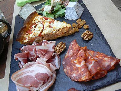 charcuterie + tarte + fromages.jpg