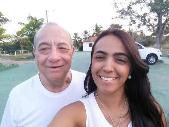 O desembargador Antonio Guerreiro Junior, presidente do TRE do Maranhão, ao lado da candidata à prefeitura de Bacabal Giselle Velloso