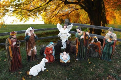 39? Tall Outdoor Nativity Set   Large Creche Figures for