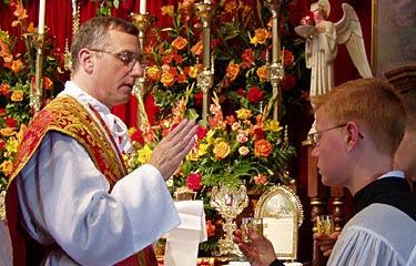 Fr. Cekada Celebrating Mass