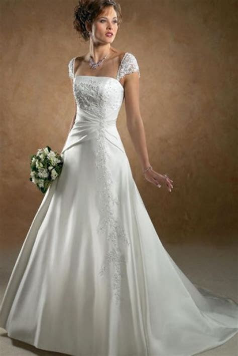 Best Style for Large Bust Wedding Dress   Best wedding
