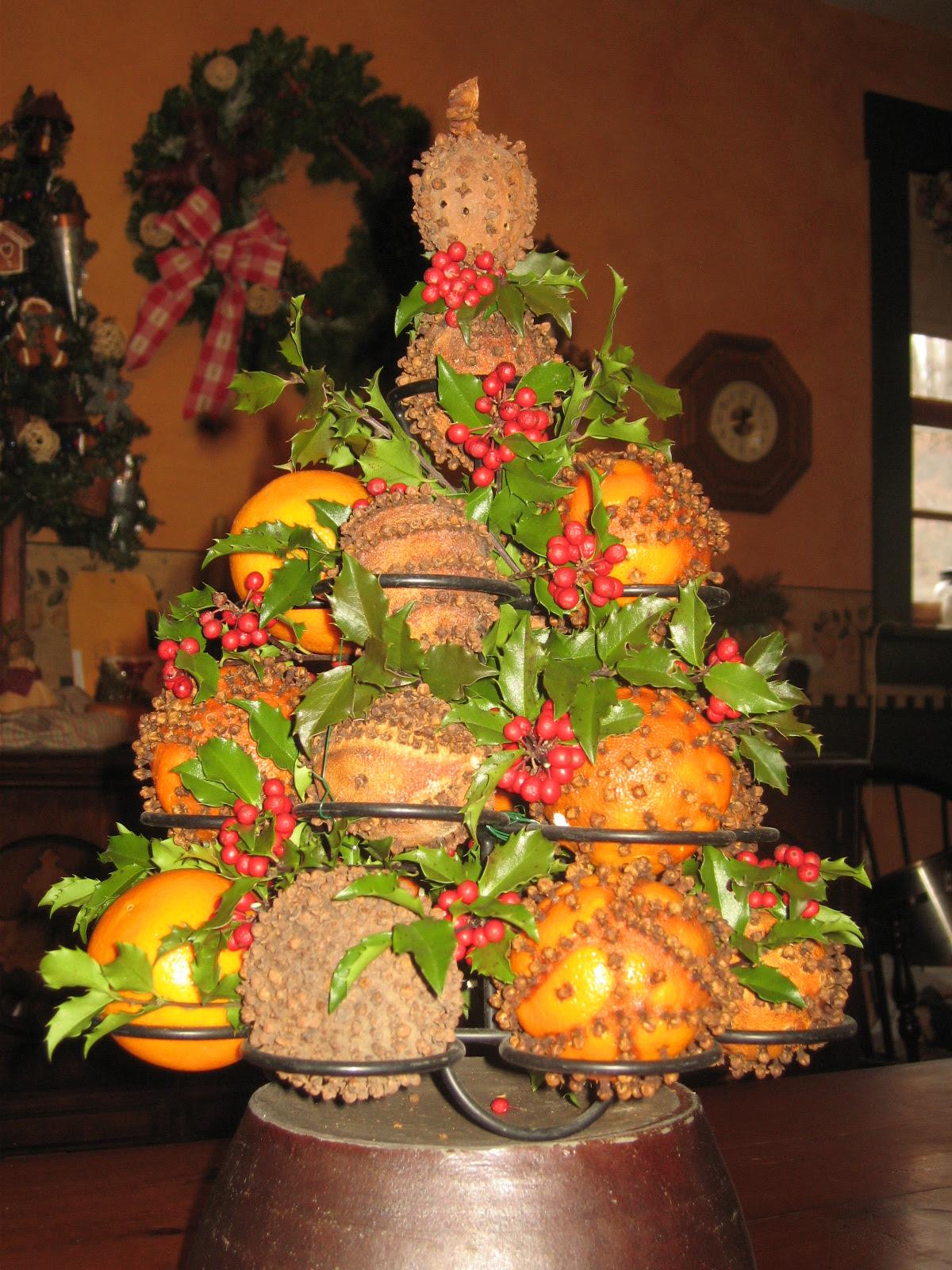 35 Orange Theme Christmas Tree Decorations Ideas ...