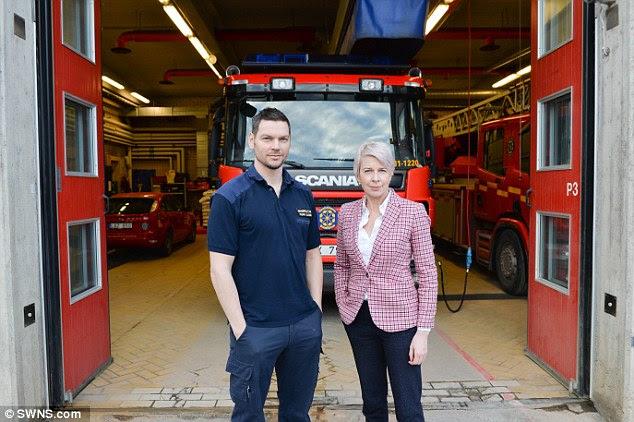 Katie rencontre le commandant de groupe Fredrik Liljegren, qui dirige Kista Fire Station. Son est la station de pompiers la plus dure en Suède, traitant avec le taux d'incidents le plus élevé dans le pays
