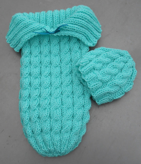 Free knitting pattern on Cozy in Cables Sleep Sack