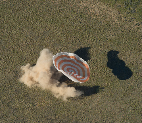 Expedition 35 Landing (201305140008HQ)