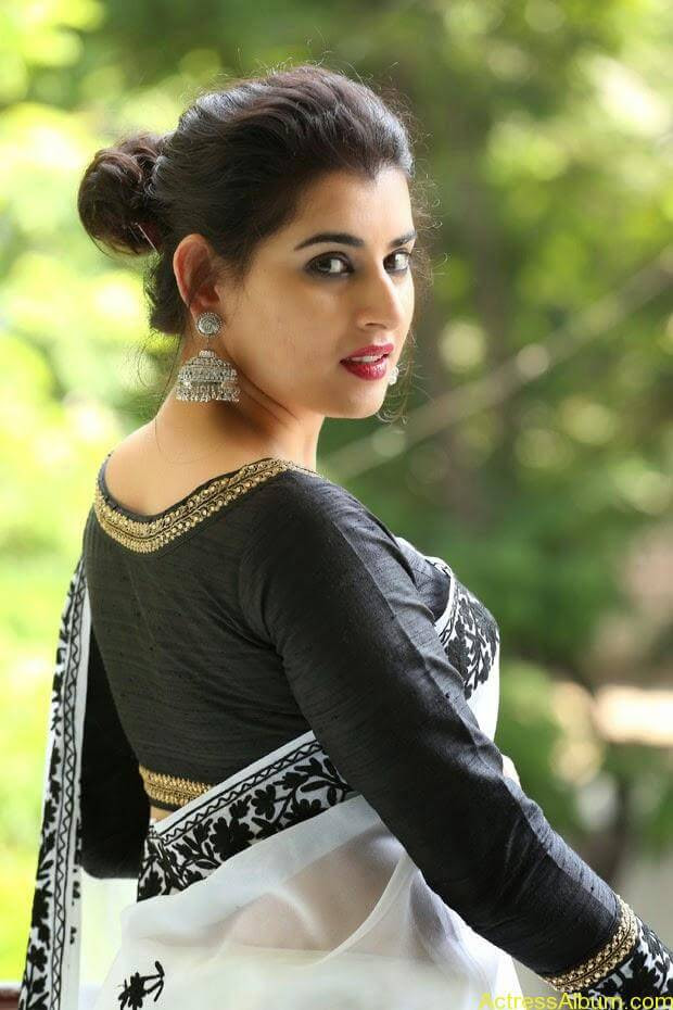 Archana-Saree-Stills-at-Panchami-Movie-Release-Date-Photos-3