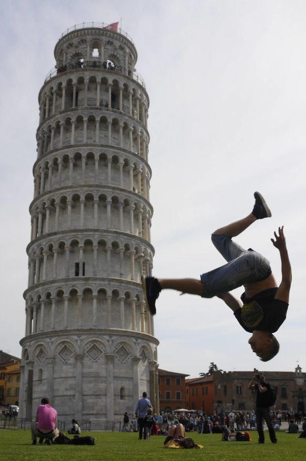 Ποζάροντας με τον Πύργο της Πίζας (6)