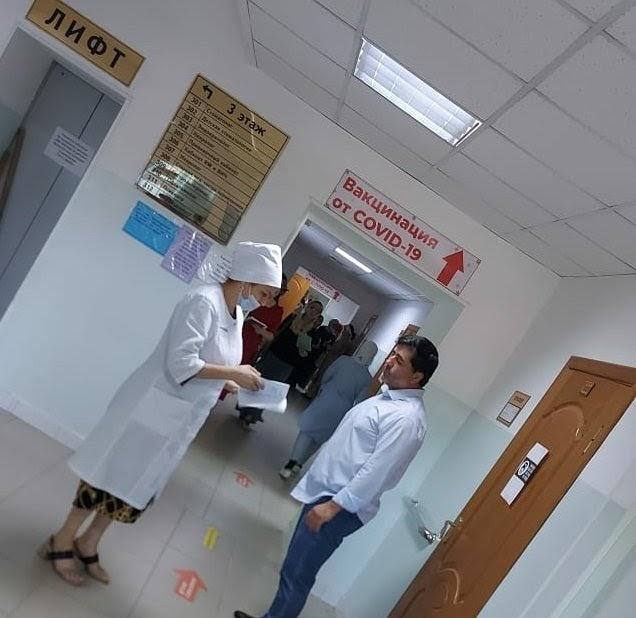 Председатель Общественной палаты Ингушетии сделал прививку откоронавируса