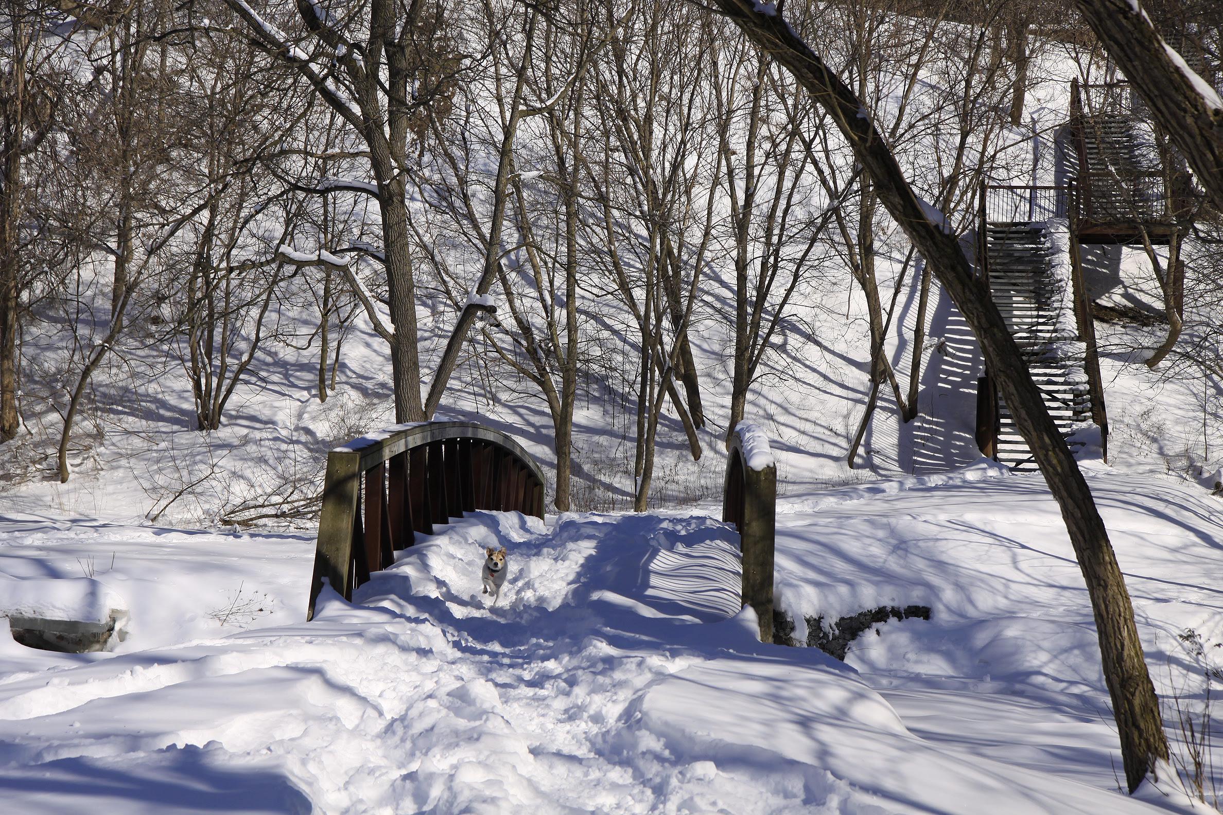 ben snowy bridge and stairs3
