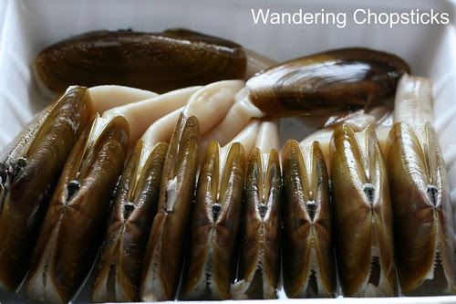 How to Prepare Geoduck and Razor Clams 1