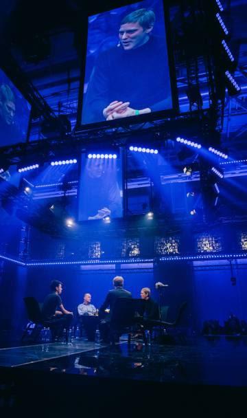 Expertos en renta básica universal charlan en una mesa redonda en Slush (evento tecnológico en Helsinki) el pasado 1 de diciembre.